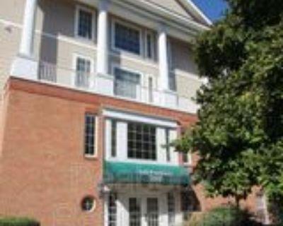 7000 Falls Reach Dr #102, Idylwood, VA 22043 2 Bedroom Condo