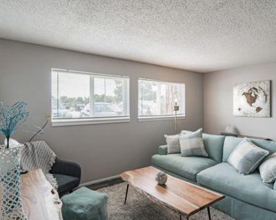 Comfortable Suite in Southwest Wichita w/ 75 Walkscore