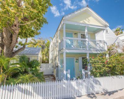 """THE OLD SAPODILLA HOUSE"" ~ Pet Friendly Home in Historic Bahama Village - Bahama Village"