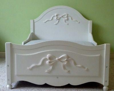 KidKraft Tiffany Toddler Bed - White