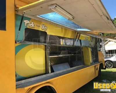 Well-Equipped Chevrolet P30 Step Van All-Purpose Food Truck