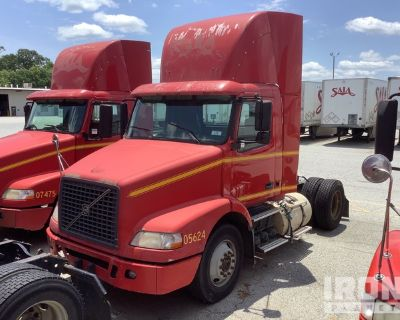 2005 Volvo VN VNM 4x2 S/A Day Cab Truck Tractor