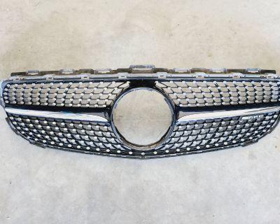 FS: W205 Diamond Grill OEM - C450