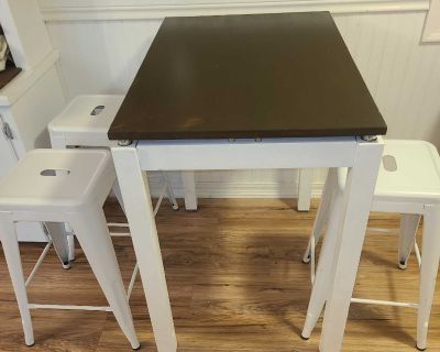 Bar table with 3 metal stackable barstools