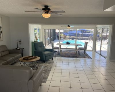 Updated 2 Bed. - Heated Pool - Waterfront w/ Dock - Yacht Club