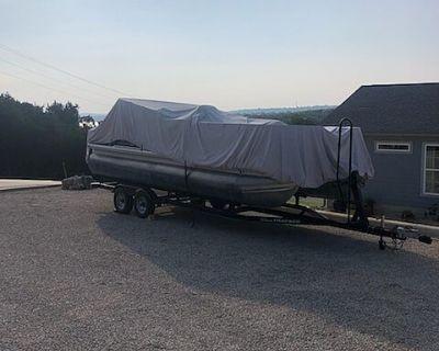 2015 Sun Tracker Fishin Barge