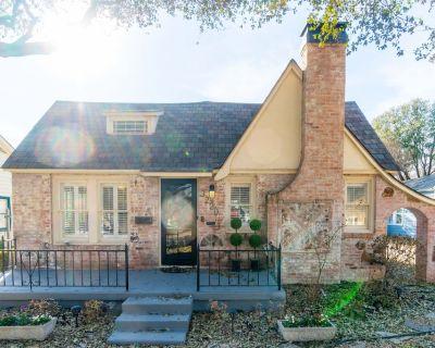 Waits Cottage - Fort Worth