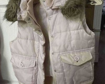 Beautiful Pink puffer vest with detachable hood. Perfect condition. Size: S. Price:6$