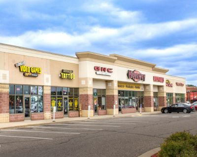 Hudson Marketplace West Available for Lease