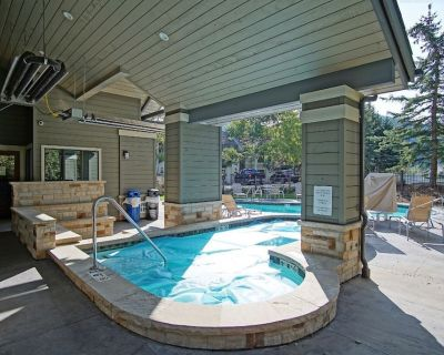 Outdoor Pool and Hot Tub, Steps From Hiking/Biking, On Call Shuttle - Beaver Creek