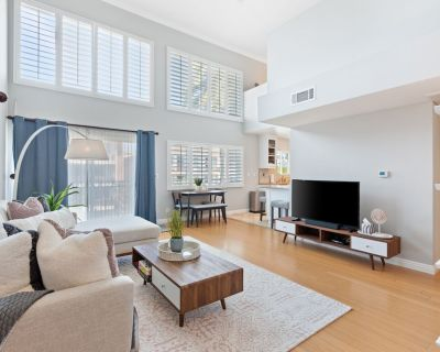 Bright Modern Loft-Style in Brentwood Parking, Gym - North of Wilshire