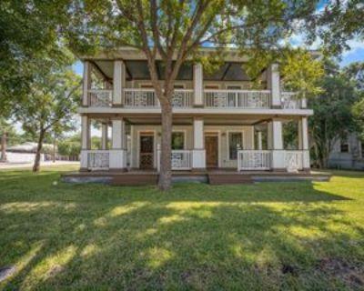 224 224 Queen Anne Court - 1, San Antonio, TX 78209 1 Bedroom Apartment