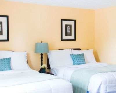 Deluxe Room, 2 Double Beds, Kitchen - Clarence