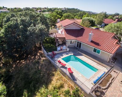 Pool and Pet-Friendly Fun and Convenience Minutes from Downtown Paso Robles - Paso Robles