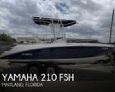 21 foot Yamaha 210 FSH
