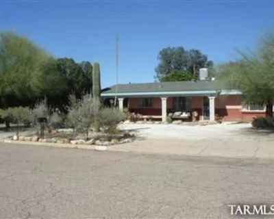 CASA ROSA in Central Tucson Retro 3 Bedroom Pet Friendly Home! - Duffy