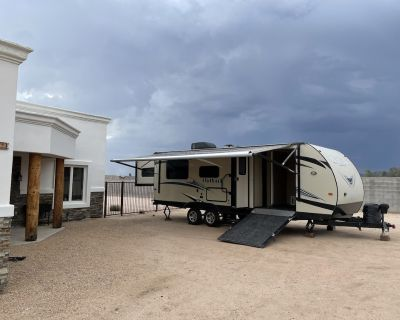 28 Camper Trailer, Private Sauna With Shower, Outdoor Pool - Cave Creek