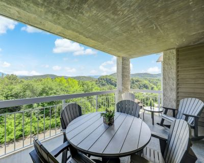 Splendor at the Pines Whispering Pines 443, 2BR, Gym, Wi-Fi, Lazy River, Pools, - Pigeon Forge