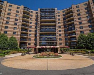 8370 Greensboro Dr, Tysons Corner, VA 22102 2 Bedroom Condo