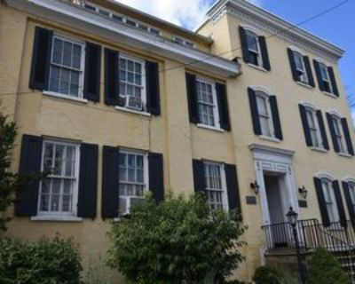 33 W Fayette St #5, Uniontown, PA 15401 1 Bedroom Apartment