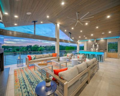 Lakefront Smart Home w/ Luxe Multi-Level Deck! - Hot Springs