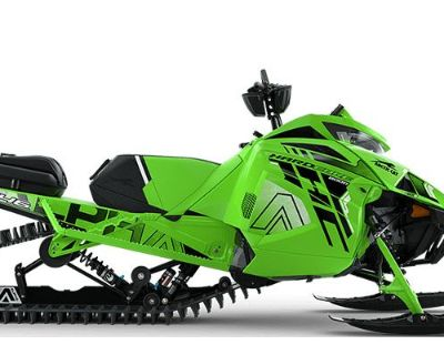 2022 Arctic Cat M 8000 Hardcore Alpha One 146 2.6 with Kit Snowmobile Mountain Osseo, MN