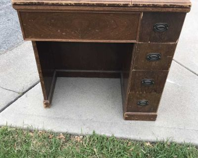 Free on curb- vintage sewing machine table - no machine- all drawers work
