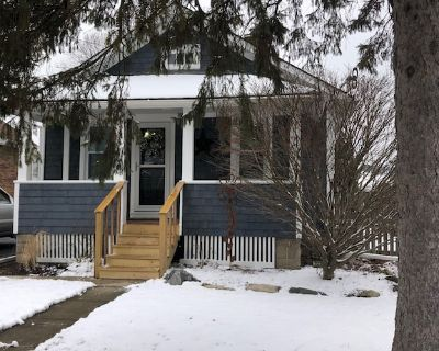Welcome to our fully renovated modern bungalow. - Warrenville
