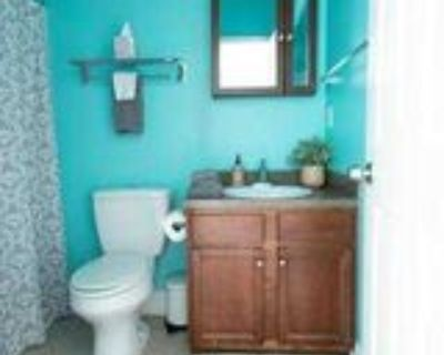 Room for Rent - a half block (2minute) walk to bu, Atlanta, GA 30315 1 Bedroom Apartment