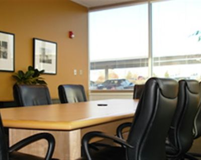 Private Meeting Room for 10 at Office Alternatives (Journal Center location)