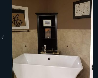 Stay and Ride Romantic King Suite With Deck! Horses! - Marion County
