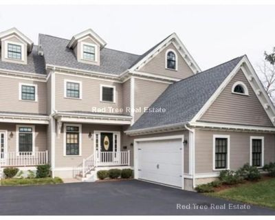 Luxury Townhouse For Rent With Private Yard And...