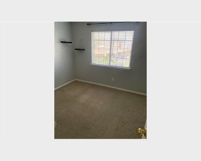 Room for rent in Moss Lane, North Richland Hills - Updated property near Keller!