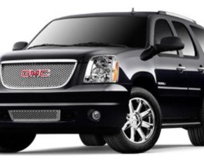 Pre-Owned 2013 GMC Yukon DENALI AWD SUN DVD