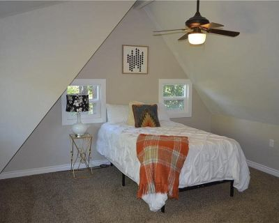 $450 per month room to rent in Twin Peaks available from September 23, 2021