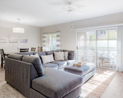 Dog-Friendly Condo w/Shared Heated Pool, Tennis, Private W/D, A/C, Free WiFi - Central Scottsdale