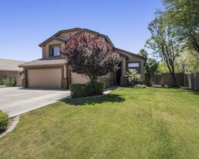 Amazing pool, arcade game and basktball game loft, pool table, 5 bedrooms - Windmill Ranch