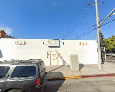 5951 S San Pedro St
