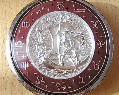 [WTB] Wanted Zodiac or St Christopher horn buttons,