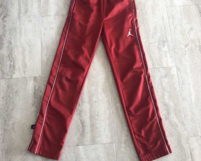 Air Jordan pant size 8-10 boys size small on tag