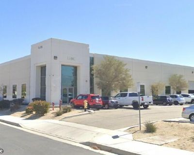 Single Tenant Industrial Building For Lease