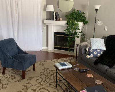 Short-Term Room Available in NoHo/Toluca Lake