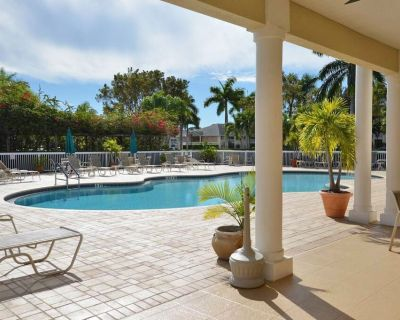 Look no further for a lovely 2/2 ground floor dog-friendly condo with dog park accross the street! - Bonita Springs