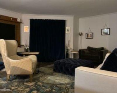 Lincoln Way, Tysons Corner, VA 22102 1 Bedroom Condo