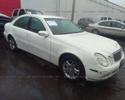 Salvage White 2006 Mercedes-benz E-class
