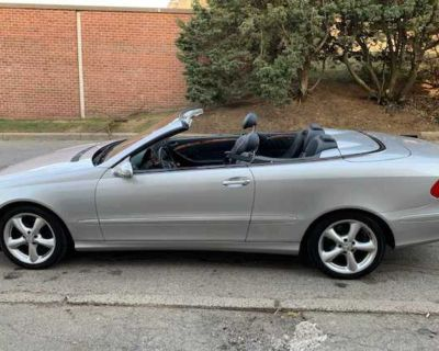 Mercedes Benz Droptop Sports Convertible CLK320