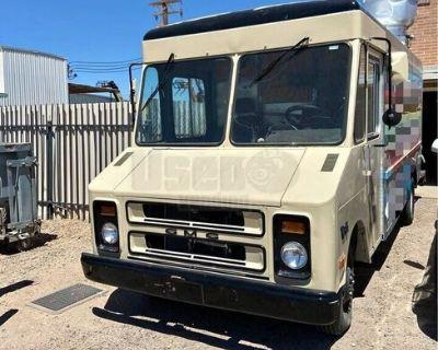 Self-Sufficient Loaded GMC P3500 25' Step Van Kitchen Food Truck