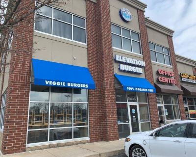 Retail & Restaurant Space For Lease!