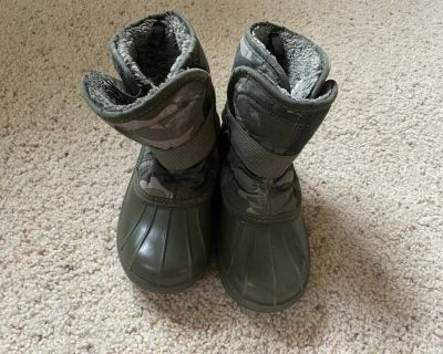 Size 1 The Children s Place Winter Boots