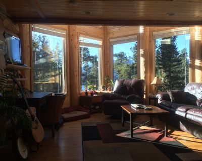 Peaceful Mountain Retreat with Views - Twin Lakes